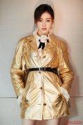 同穿黄金套装比美,张天爱穿全套美得高
