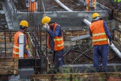 如何确定建筑工程合同转包纠纷的诉讼主