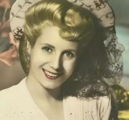 16岁做妓女,27岁当总统夫人,死后举国哀